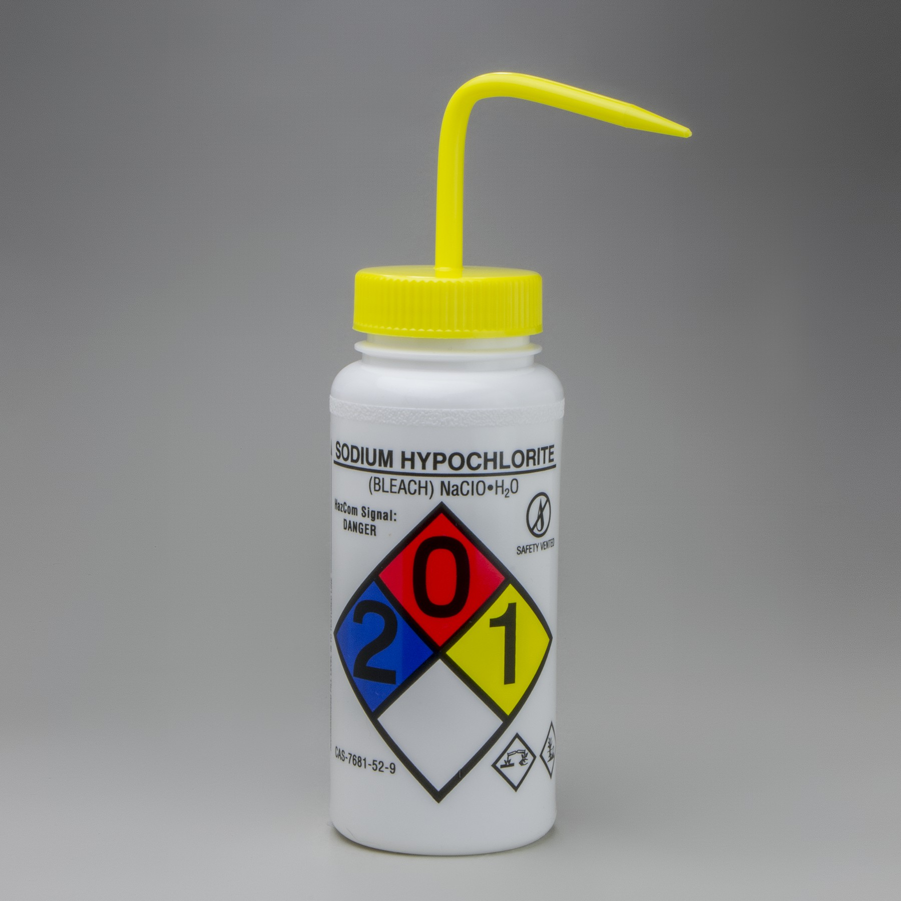 sodium hypochlorite in bleach 2 Bleach is the generic name for any chemical product which is used industrially and domestically to whiten clothes, lighten hair color and remove stainsit often refers specifically to a dilute solution of sodium hypochlorite, also called liquid bleach.