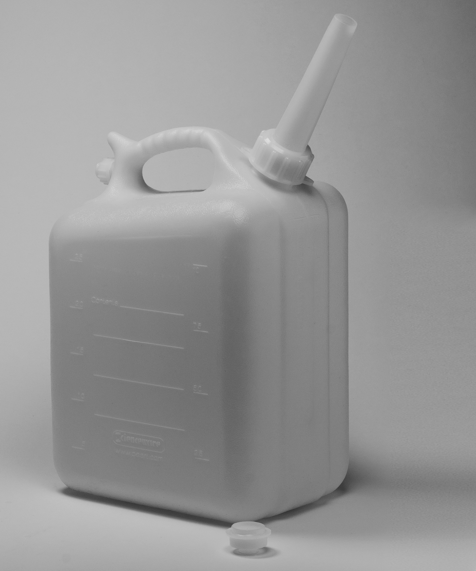 SP Bel-Art Polyethylene Jerrican; 10 Liters (2.5 Gallons), Screw Cap, ¾ in. I.D. Spout