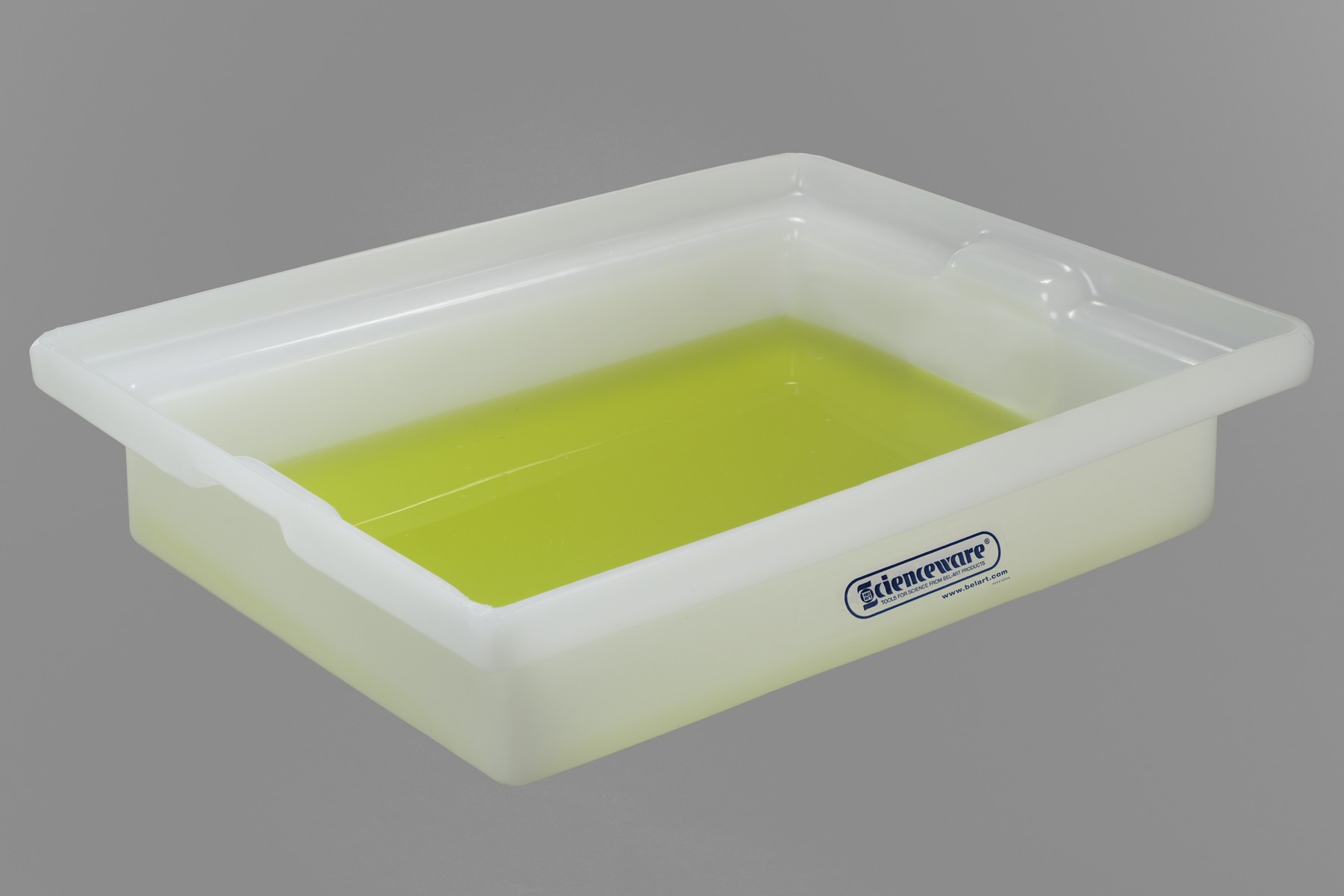 F16295-0000 Bel-Art General Purpose Polyethylene Tray with Faucet; 17/½ x 23/½ x 6 in.